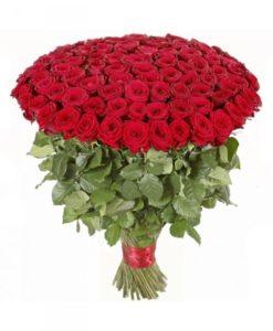 ramo de 100 rosas rojas tallo largo  390 €