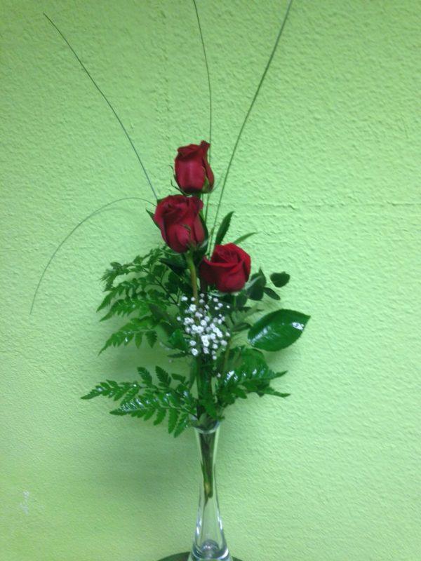 3 rosas con jarron  30€
