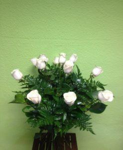 12 Rosas tallo largo - Yamil Floristas
