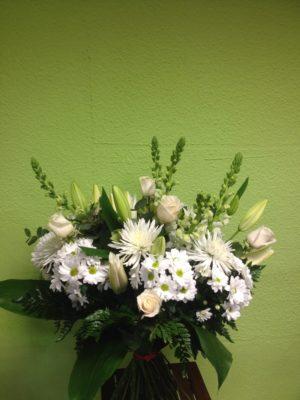 Ramo de flores blanco - Yamil Floristas