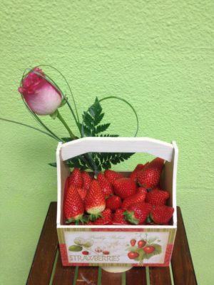 Cesta de fresas pequeñas - Yamil Floristas